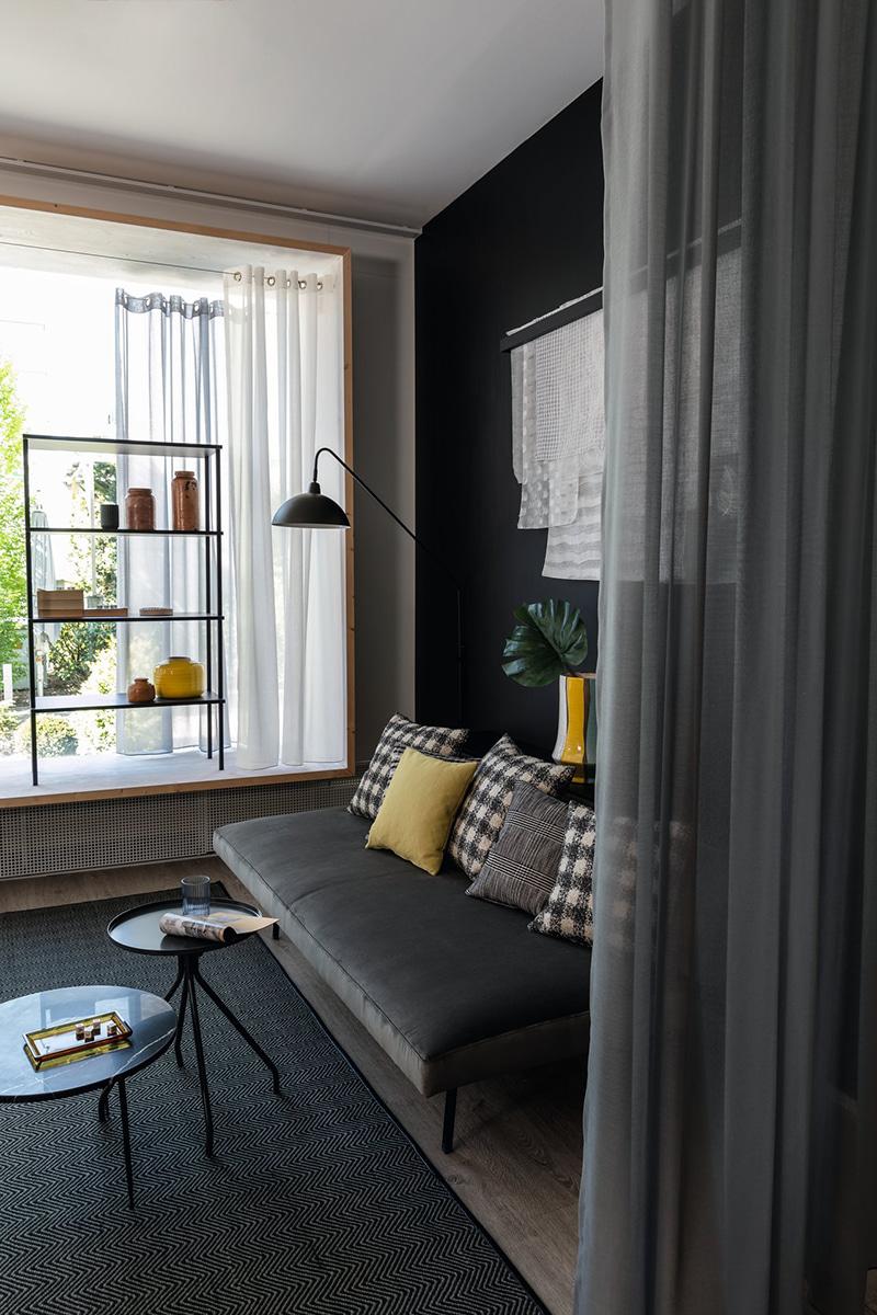 slide-jab-anstoetz-group-styles-of-living-modern-sarah-300-m01-schwarz-hr-l